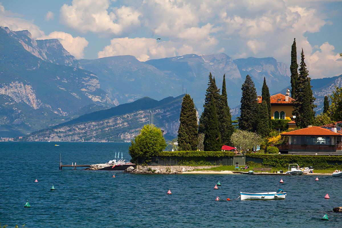 """""""Ferragosto"""" am Meer oder in den Bergen?  Holen Sie sich das Beste aus beiden, wählen Sie Gardasee!"""